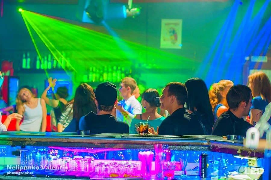 Светодиодная лента для ночных клубов фитнес клуб зебра дубровка москва